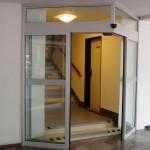 Automatické šípové dvere
